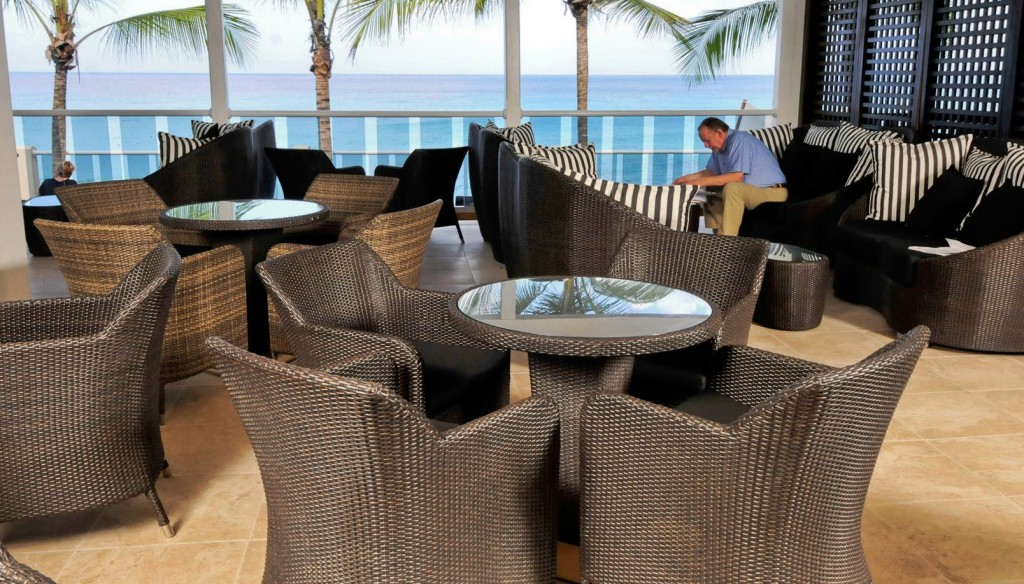 Waves Beach Resort Lounge 2jpg